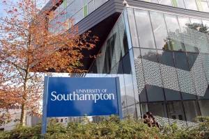 英国南安普顿大学