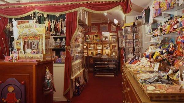 Pollocks-Toy-Museum2