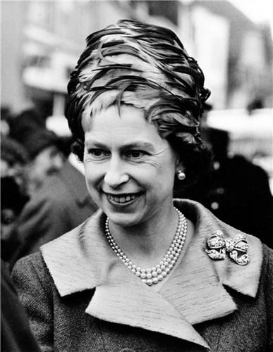 queen-elizabeth-ii-1965