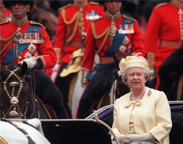 queen-elizabeth-ii-1997