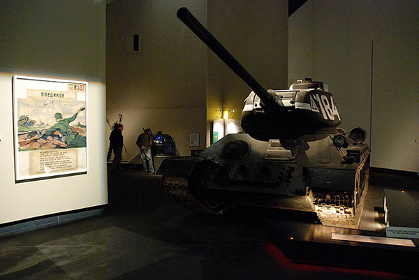640px-T-34_Imperial_War_Museum_North_17-10-2009_15-25-41