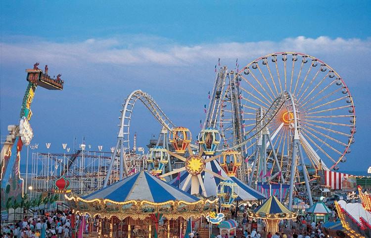 Theme park - Title