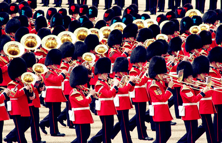 Band_Trooping_the_Colour,_16th_June_2007_副本