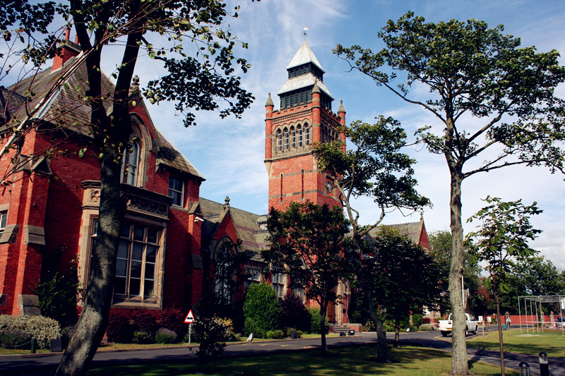 Merchant_Taylors'_Boys'_School_Clock_Tower_副本