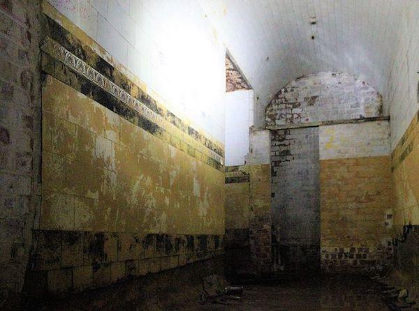 king-william-street-underground-station-abandoned