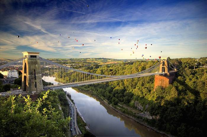 hr-balloons-over-bridge-credit-gary-newman low